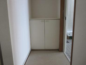 靴箱が設置されてます。玄関回りが綺麗に使えます!