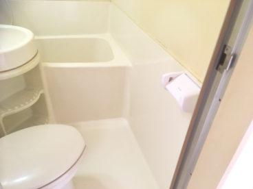 浴室は3点ユニット