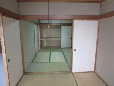 6畳二間の和室。客間に寝室に、自然素材で調湿効果もありますね