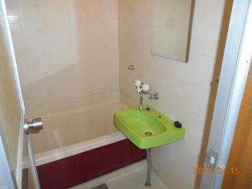 お風呂はユニットバスです!