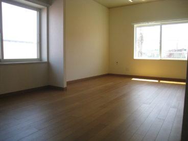 洋室は掃除しやすいですね!!