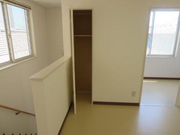 こういうちょっとした収納スペースもあれば便利ですよね