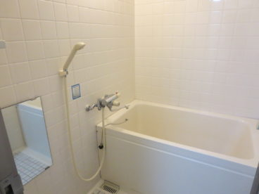 お風呂も単独タイプです