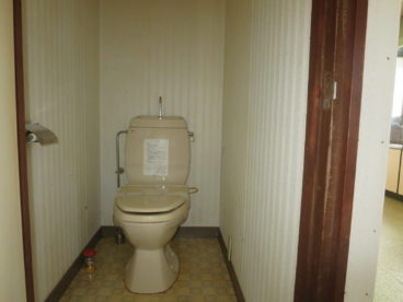 トイレは子供にも楽な洋式