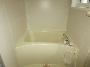 浴室は単独対応。ご家族で入るのもいいですね。家族団らんのひと時に