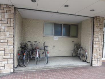 駐輪場も完備している弘前市内では新設設計のアパートですよ