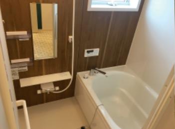 独立した浴室。追い炊き機能もついてますよ