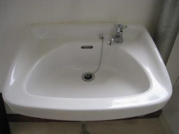 ちょっとした洗面台は便利ですよね!!