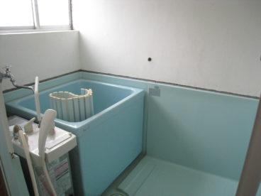 浴室は単独式でシャワー付きですよ^^