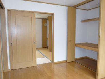 和室を寝室に。洋室をリビングにするという使い方はいかが?
