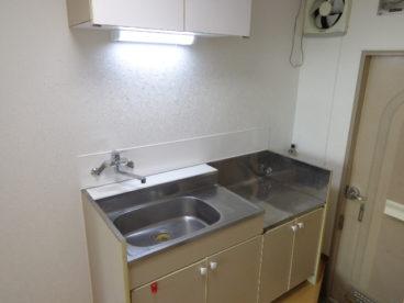 キッチンはシンプルに。一人暮らし用に