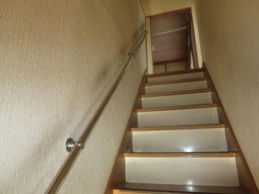 階段には手すりあります。お子様がいる家庭でも安心だね