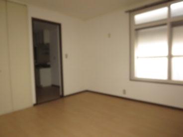 どう? 8畳の広さのアパート