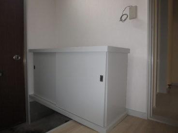 玄関には靴箱もちゃんと設置されてます。玄関が乱雑にならずに済みますね