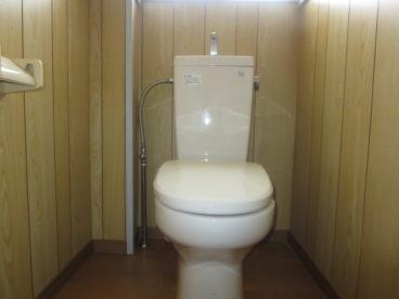 トイレは腰に優しい洋式トイレ。お年寄りの方も安心