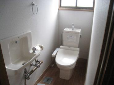 トイレは洋式、温水洗浄便座
