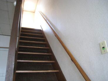 階段の手すりが嬉しいですね。