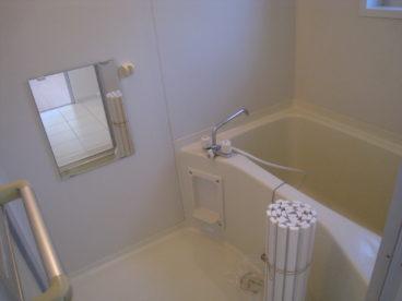 お風呂はユニットバス