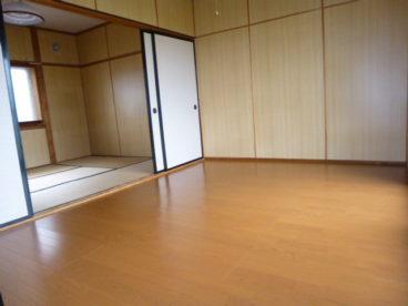 2階の洋室です。和室と洋室があるのは嬉しいですね