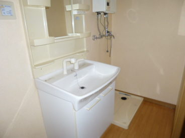 大きな洗面台でかなりつかいやすそうです!