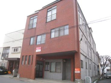 南富田スカイマンション 103号室の外観
